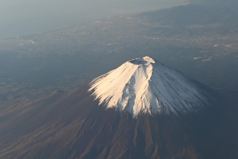 (2019/11/24〜)「冠雪した富士山」