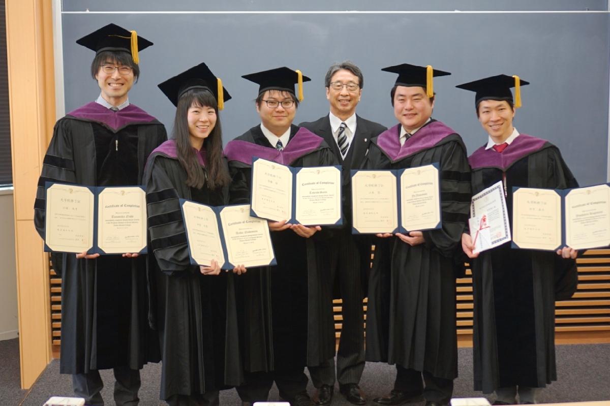 graduation_02_04