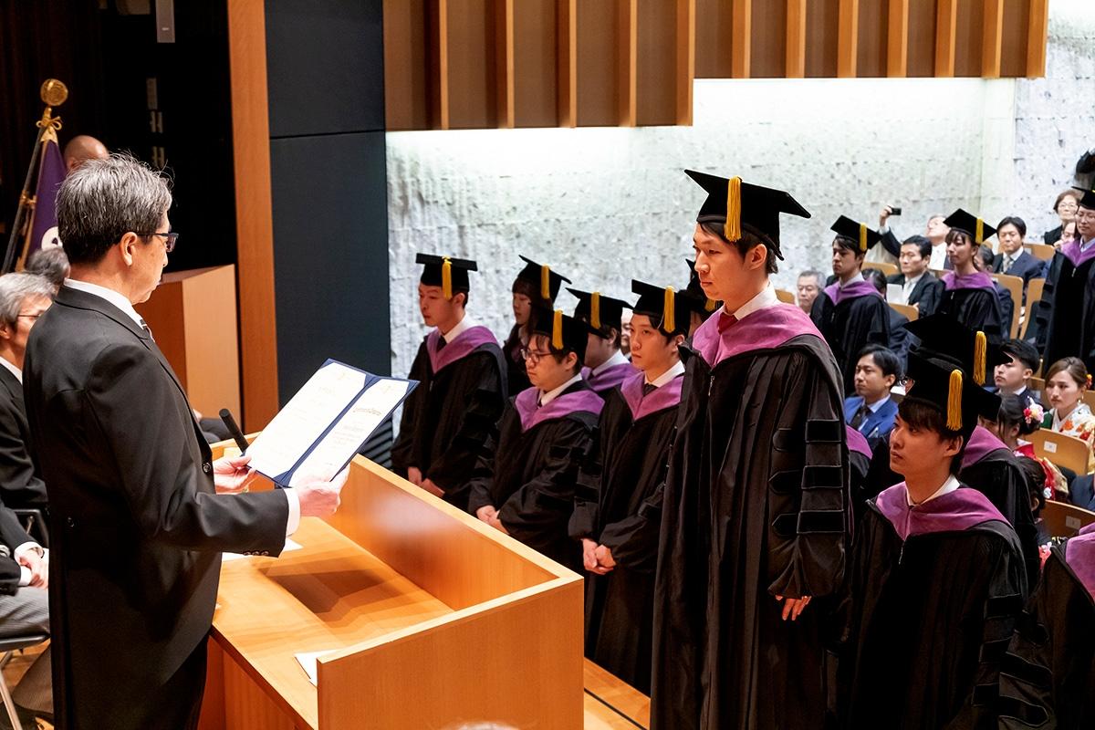 graduation_02b_01
