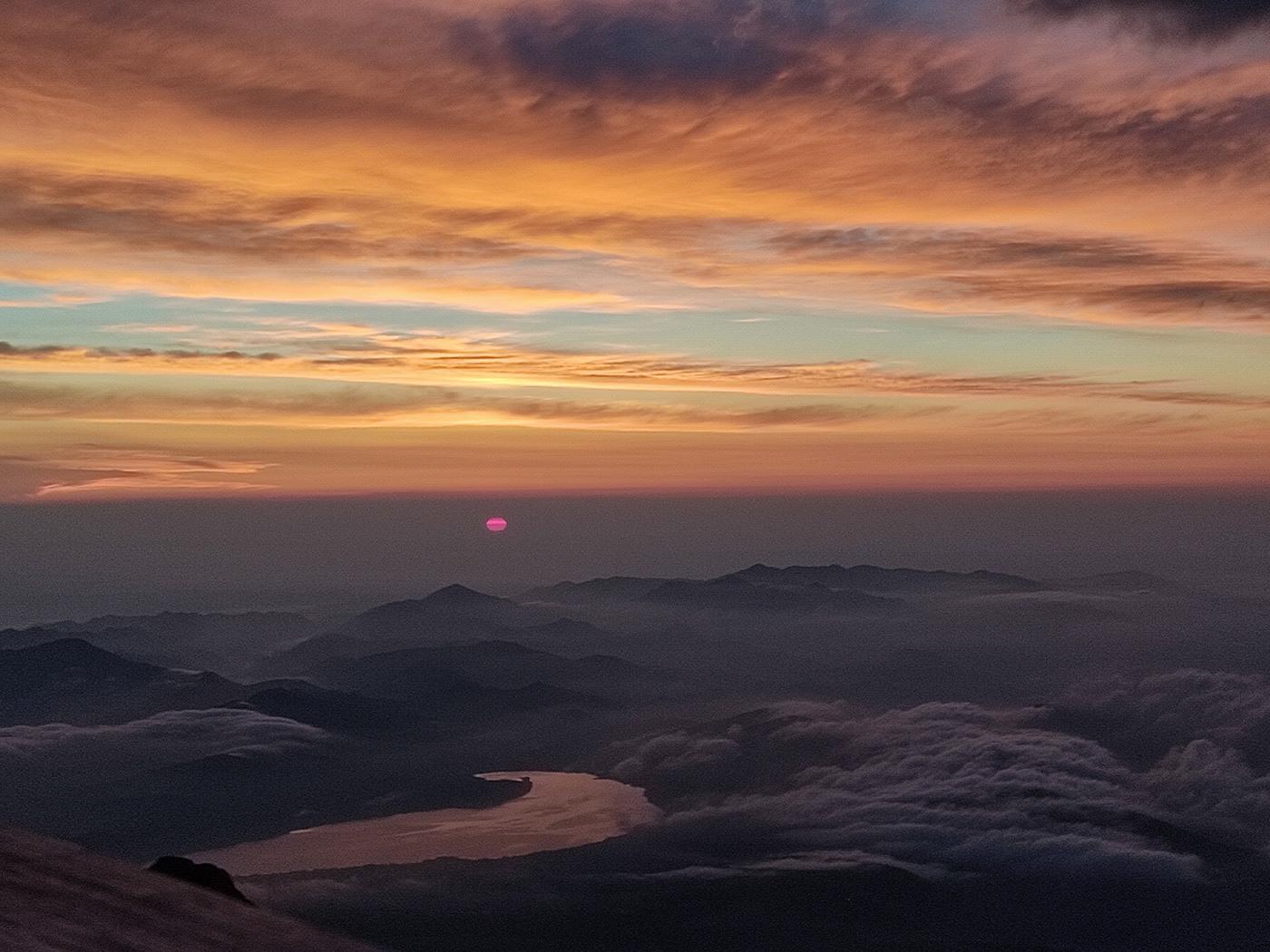 (2021年7月19日〜)「富士山 日の出直前の山中湖と雲海」